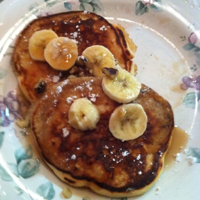 3 Pancakes With 1 Banana 1/8 Cup Nuts Syrup