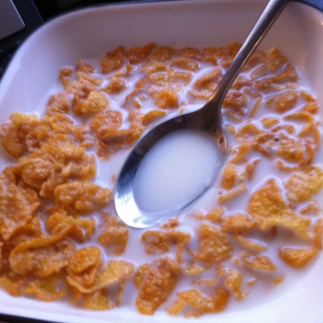 Frosted flakes cereal and 2% milk