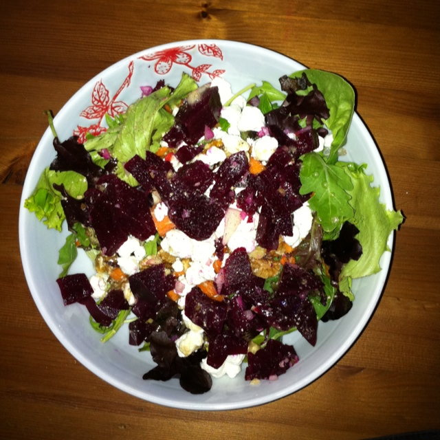 Mixed Salad  Goat Cheese Walnuts